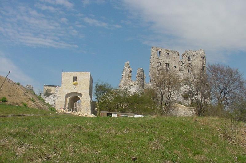 Zamek podczas odbudowy