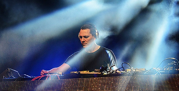 Tiesto feat. Nelly Furtado