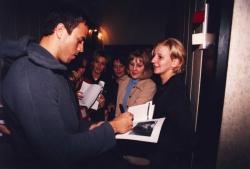 Enrique rozdaje autografy na Kopcu Kościuszki