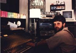 Monter w studiu produkcyjno-nagraniowym