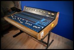 Pierwsza konsoleta w studiu nagraniowym