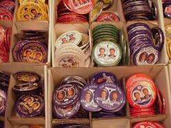 Konwencja wyborcza Demokratów w Bostonie - wyborczych gadżetów nigdy dość (28 lipca 2004 r.)