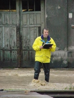 Wojciech Jankowski w czasie powodzi w Gdańsku